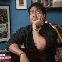 Ajay Devgan looking worried | Atithi Tum Kab Jaoge? Photo Gallery