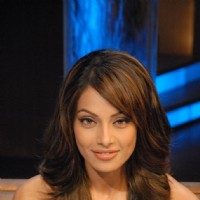 Bipasha Basu in tv show Lift Kara De