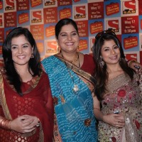 Akruti Singh as Raagini Sharma, Vandana Pathak and Malini Kapoor in Mrs& Mr Sharma Allahabad Wale