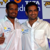 Tata Indicom Brand Ambassador Irfan and Yusuf Pathan showcases Photon - Mobile broadband services in Kolkata on Monday 17th Aug 09