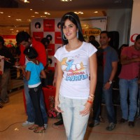 "Katrina Kaif promote her film ""Ajab Prem ki Gazab Kahani"" at Reliance Trends 