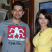 "TV actress Aamna Sharif and Aftab Shivdasani posing for the shutterbugs on the sets of the ""Aao Wish Karein"""