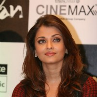 Aishwarya Bachchan on Raavan Promotional Event at From Metro to Cinemax | Raavan Event Photo Gallery