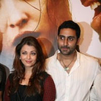 Abhishek and Aishwarya Bachchan on Raavan Promotional Event at From Metro to Cinemax | Raavan Event Photo Gallery