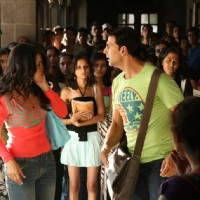 Akshay Kumar gives a slap to Trisha | Khatta Meetha(2010) Photo Gallery