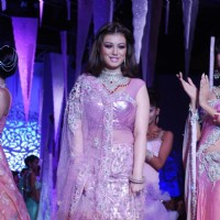 Ayesha Takia on the ramp at India International Jewellery Week on last day