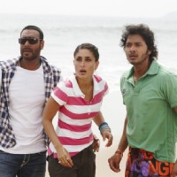 Ajay, Kareena and Shreyas looking shocked | Golmaal 3 Photo Gallery