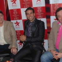 Rishi and Randhir Kapoor with Akshay Kumar on the show of  'Master Chef India' at Filmcity in Mummbai
