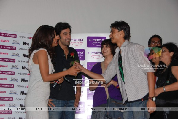 Ranbir Kapoor and Priyanka Chopra watch Anjana Anjani with couples at Fame Malad