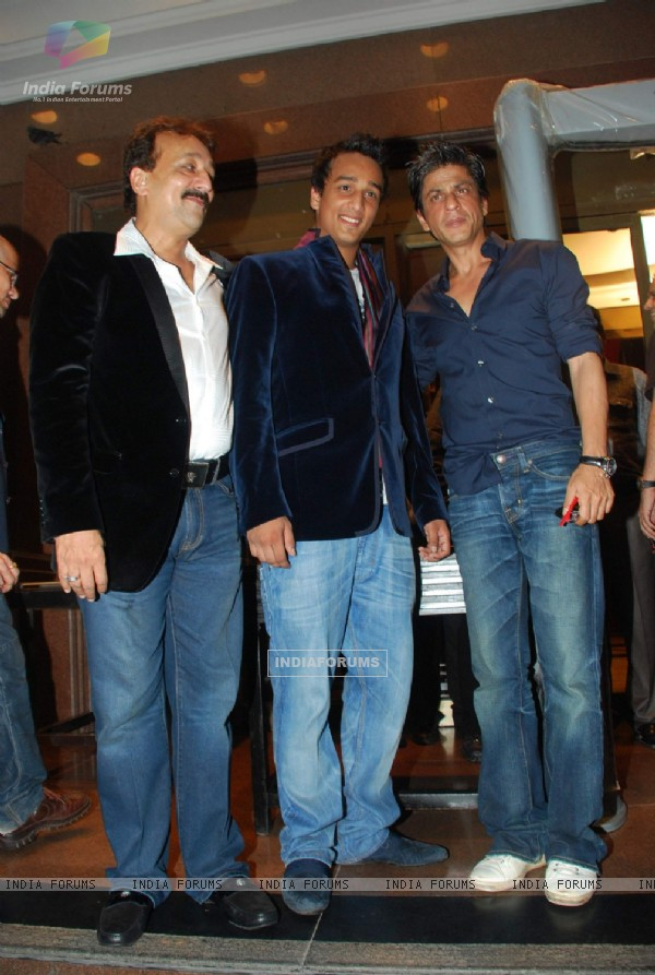 Shah Rukh Khan at Baba Siddique's son Zeeshan's birthday bash at Taj Land's End