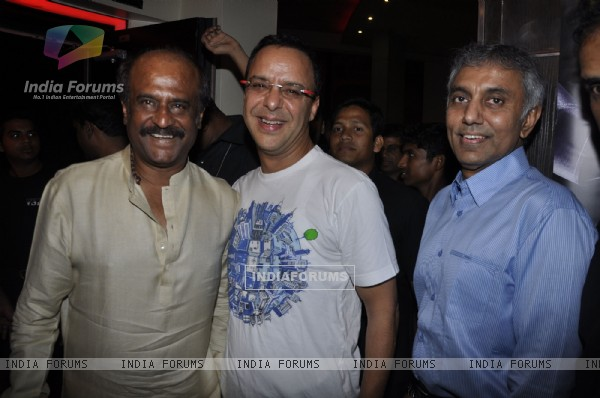 Rajinikanth and Vidhu Vinod Chopra at Robot premiere at PVR