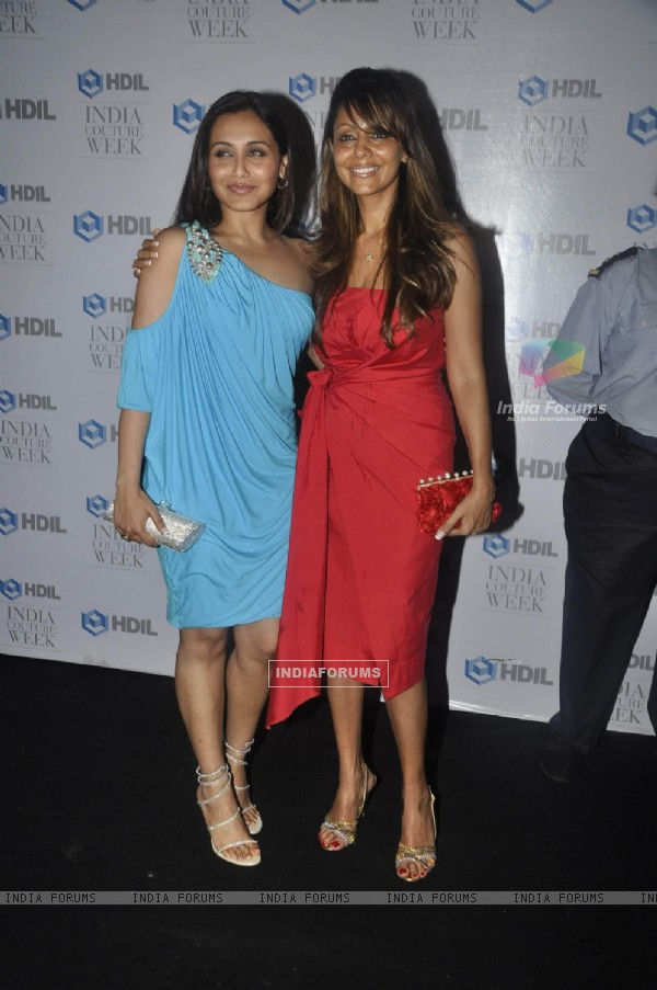 Rani Mukherjee and Gauri Khan at HDIL India Couture Week 2010