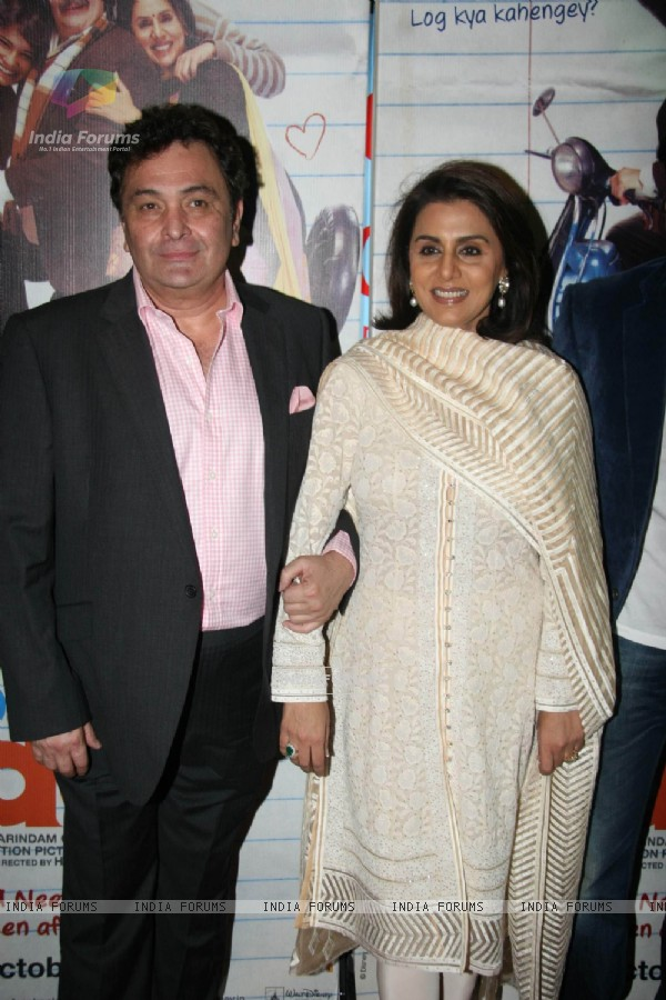Rishi Kapoor and Neetu Kapoor at Do Dooni Chaar premiere (100617)