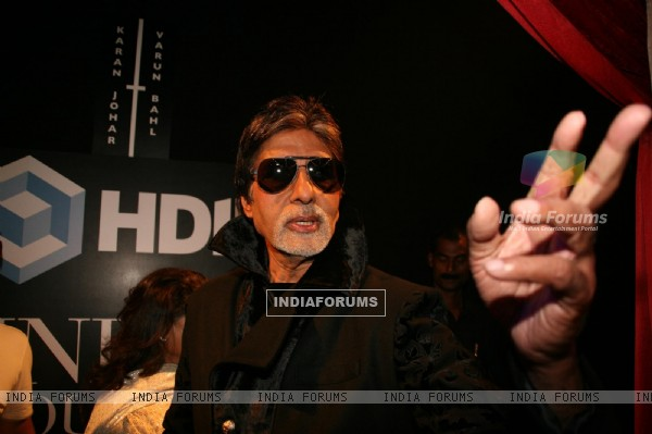 Amitabh Bachchan at HDIL India Couture Week 2010