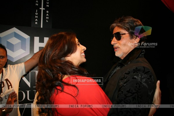 Amitabh Bachchan with daughter Shweta at HDIL India Couture Week 2010