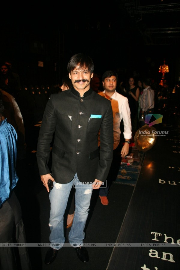 Vivek Oberoi at HDIL India Couture Week 2010 – Day 5