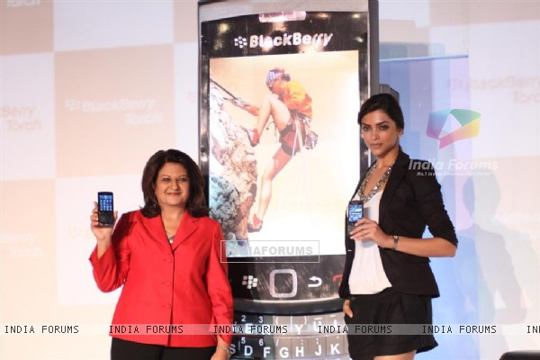 Deepika Padukone launches Blackberry Torch smart phone