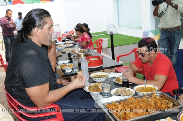 WWE Superstar The Great Khali and wife have lunch with Salman Khan