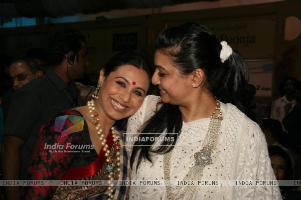 "Rani Mukharjee with Vaibhavi Merchant celebrated ""Sarbojanin Durga Puja"""