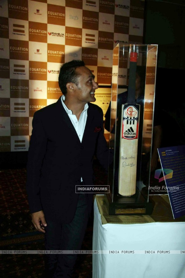 Rahul Bose at sports auction for a cause at Trident