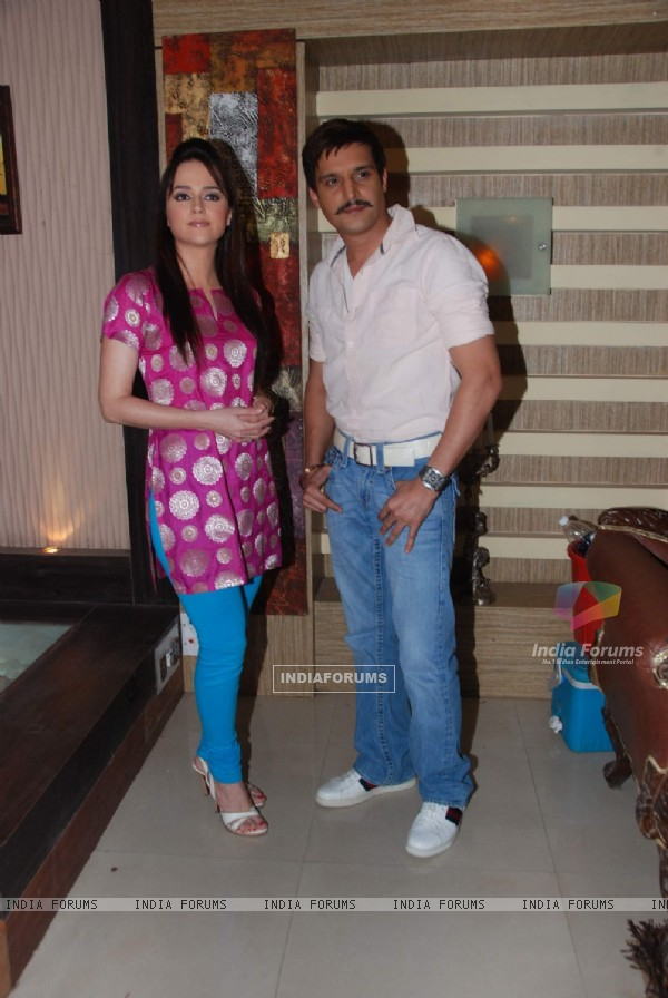Jimmy Shergill and Hazel on the sets of Sony's Aahat  Malad