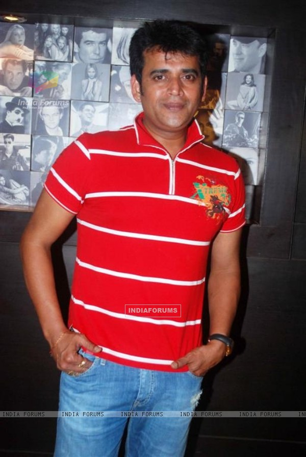 Ravi Kissen at Premiere of Dus Tola at Cinemax, Mumbai (103027)