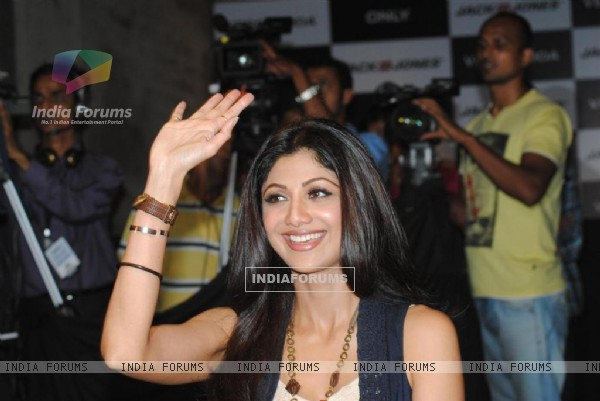 Shilpa Shetty at Vero Moda and Jack Jones store launch in Bandra