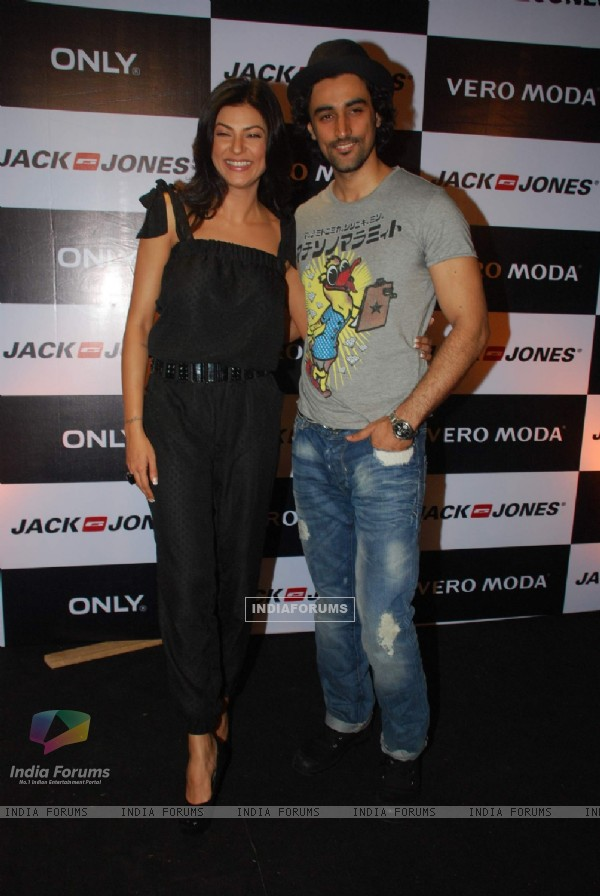 Sushmita Sen and Kunal Kapoor audition models for Vero Moda & Jack Jones Store Launch at Bandra, Mumbai