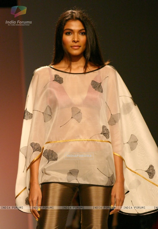 A model showcasing a designer Wendell Rodricks,s  creation at the Wills Lifestyle India Fashion Week-Spring summer 2011,in New Delhi on Sunday