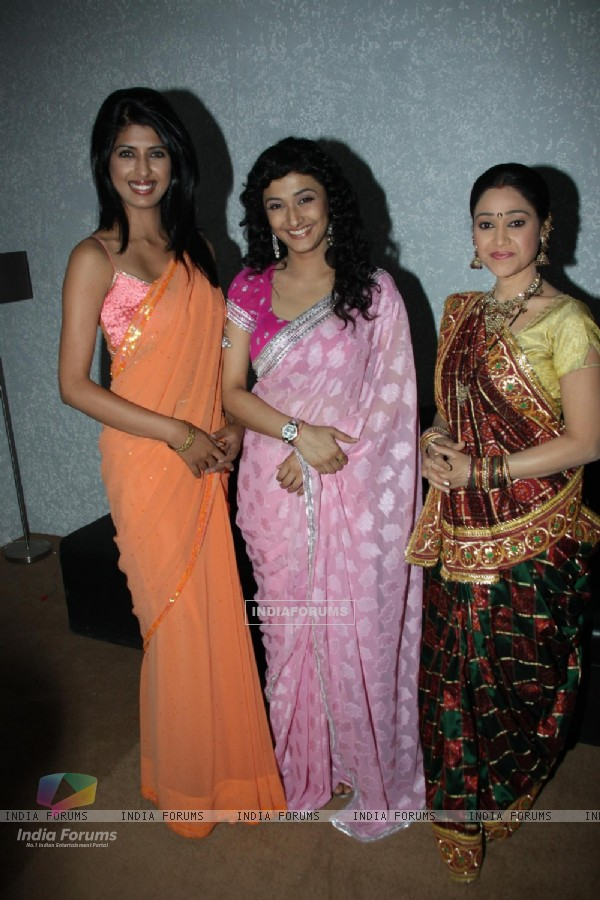 Ragini Khanna and Disha Wakani on the sets of KBC at Film City
