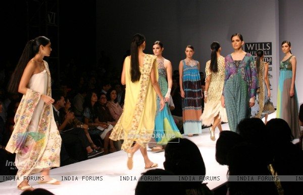 Models showcasing designers Paras & Shalini's creations at the Wills Lifestyle India Fashion Week-Spring summer 2011, in New Delhi on Monday