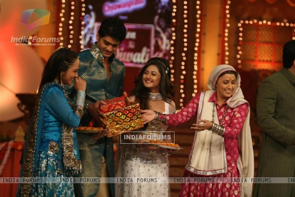 Cast of Na Aana Is Desh Laado and Uttaran on the sets of Colors Diwali show
