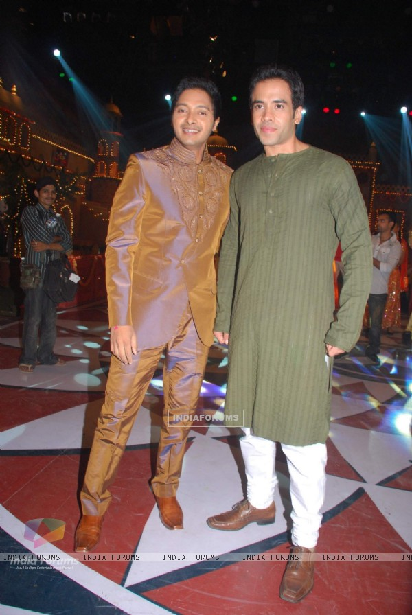Shreyas Talpade and Tusshar Kapoor on the sets of Colors Diwali show