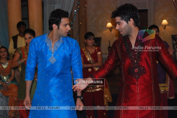 Viren dancing in Siddharth and Divya sangeet ceremony