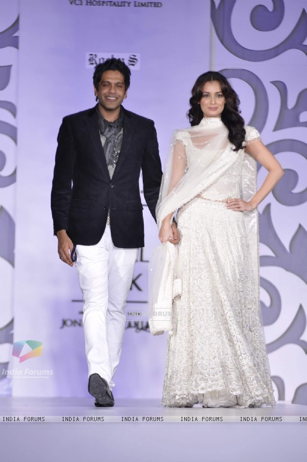 Dia Mirza walks the ramp for Rocky S at Aamby Valley Indian Bridal Week