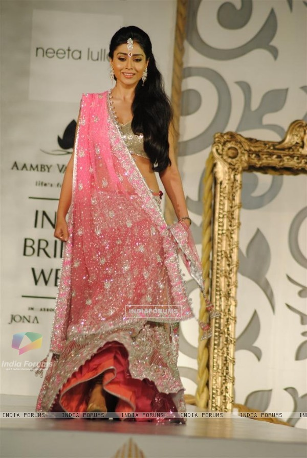 Model Walks for designers Neeta Lulla at Aamby Valley India Bridal Week day 2
