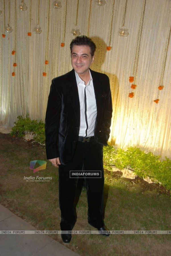 Sanjay Kapoor at Vivek Oberoi's wedding reception at ITC Grand Maratha