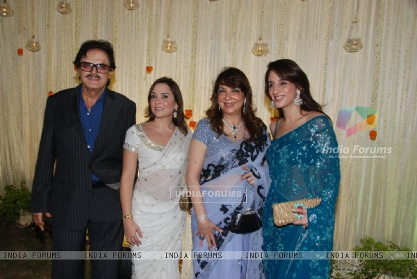 Sanjay Khan at Vivek Oberoi's wedding reception at ITC Grand Maratha