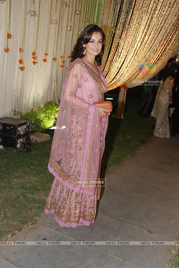 Dia Mirza at Vivek Oberoi's wedding reception at ITC Grand Maratha