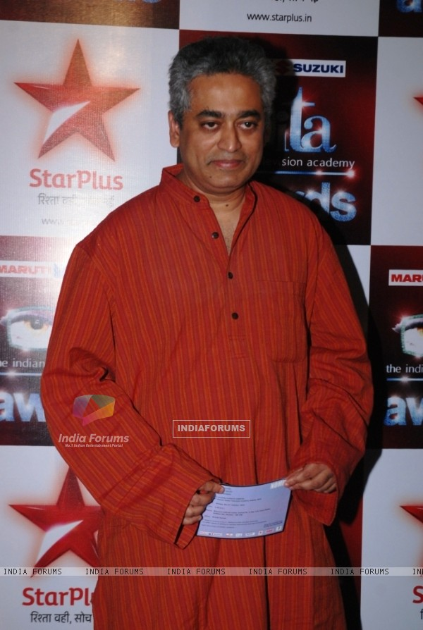 Rajdeep Sardesai  at the Star Plus ITA awards Red carpet