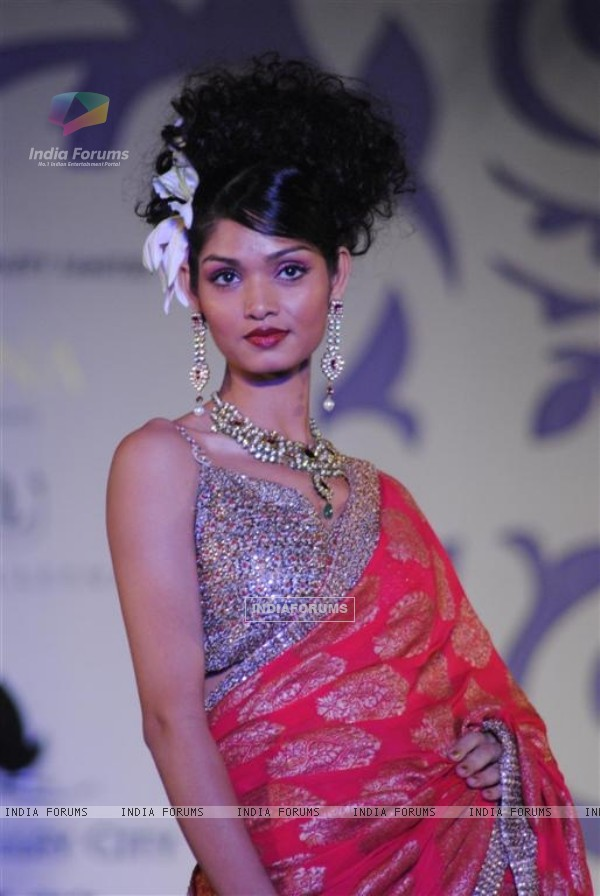 Model Walks at Aamby Valley Indian Bridal Week day 4
