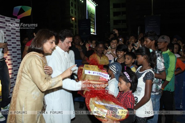 Rishi Kapoor and Neetu Singh celebrate Diwali with kids at Fame Cinemas