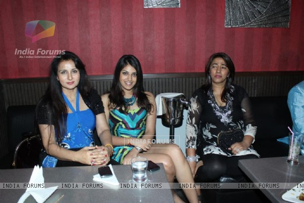 Poonam Dhillon at Rohit Verma's birthday bash at Twist
