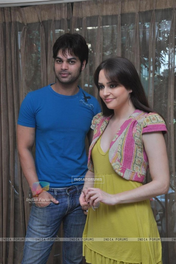 Kapil Sharma and Hazel at Press meet of 'Dunno Y Na Jaane Kyun...'