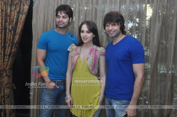 Kapil Sharma, Hazel and Maradona Rebello at Press meet of 'Dunno Y Na Jaane Kyun...' (106913)
