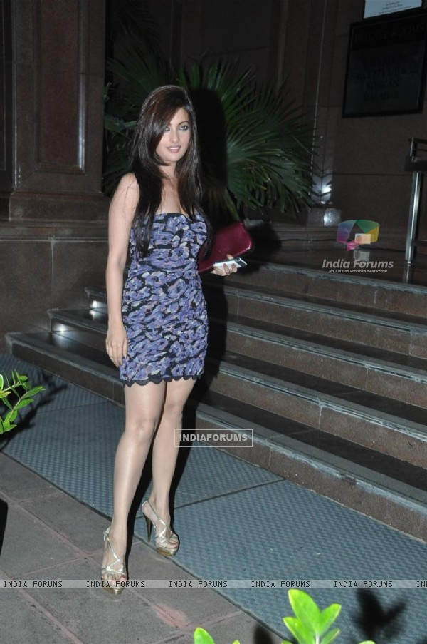 Riya Sen at Baba Dewan's Birthday bash, Taj Land's End