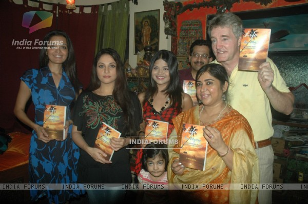 Gracy Singh and Sheena Chohan at Dr Manish Maladkar's book launch at MHADA