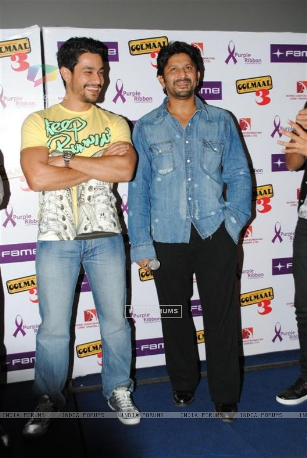 Golmaal 3 cast celebrate success of their film with underprivileged kids on Children's Day at FAME Cinemas in Andheri, Mumbai