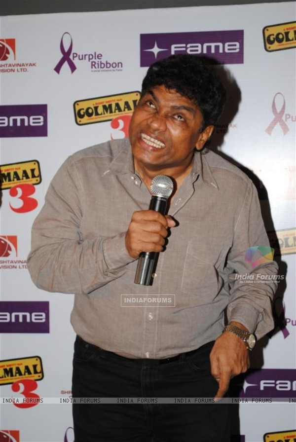 Johny Lever celebrate success of their film with underprivileged kids on Children�s Day at FAME Cine (107351)