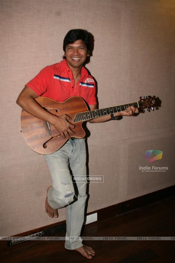 Shaan recorded song for the Hindi film Satrangee Parachute